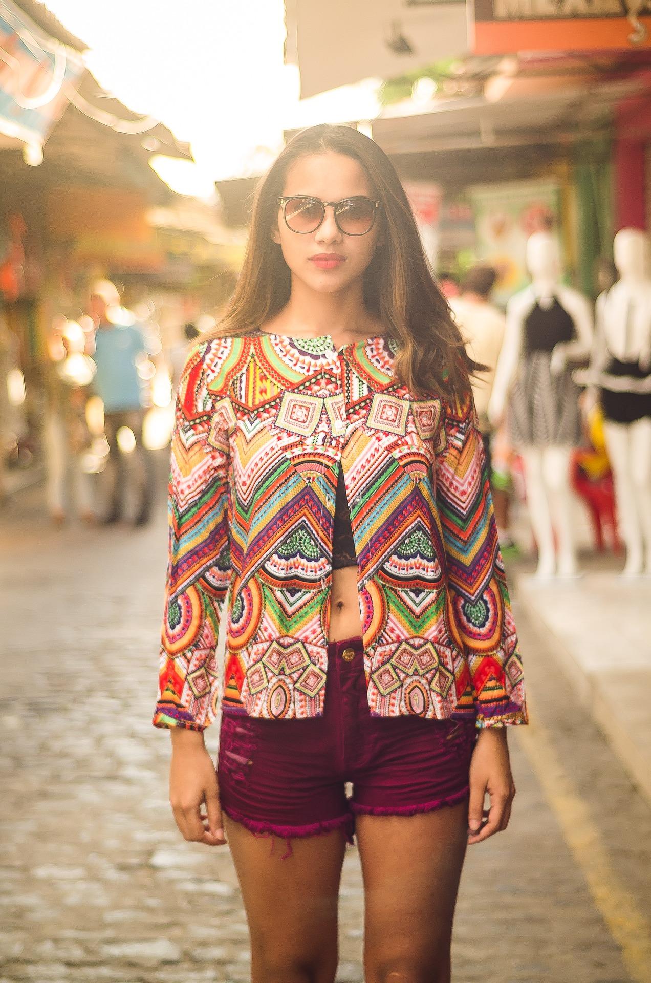 d5121d21a Či sa to týka pestrých farieb od výmyslu sveta, alebo konkrétnych kusov  oblečenia (trendy budú napríklad kostýmy so sukňou), táto dekáda sa opäť  ozve vo ...